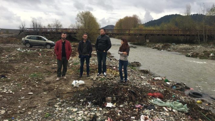 Local Working Group holds its first meeting to raise awareness on urban waste management in Miras.